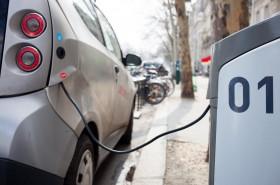 Kur įkrauti elektromobilį?